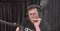 Kajenje 'trave' ga bo drago stalo: Nasa nad varnost v SpaceX-u