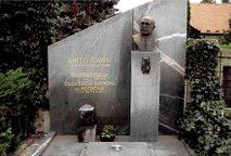 Ukradli doprsni kip Rista Savina v vrednosti 10.000 evrov