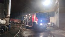 Požar v Ločah uničil ostrešje stavbe in dva silosa