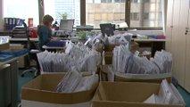 Zaradi birokracije številni podjetniki (pre)dolgo čakajo na pomoč