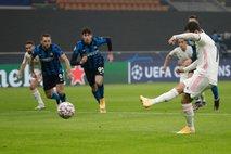 Real izkoristil nespametno izključitev Vidala in prišel do pomembne zmage v Milanu