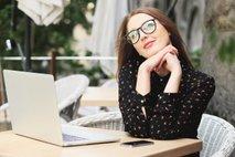 Ljudje, ki radi sanjarijo v službi, so v resnici bolj učinkoviti, inteligentni in kreativni