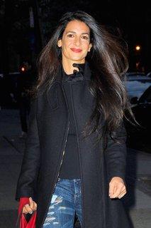 Svakinja Georgea Clooneyja mora za tri tedne v zapor