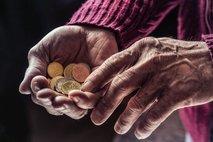 'Vrnite nam premalo izplačane pokojnine'
