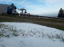 Na Pohorju začela delovati tovarna snega