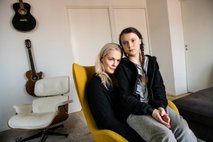 Greto Thunberg je njena slavna mati pripravila na medijsko pozornost