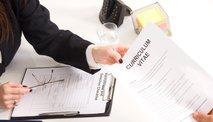 Načrtujete zaposlitev v tujini? Morda vam pripada finančna pomoč za selitev