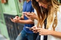 Super trik: kako oklestili čas, ki ga porabite za telefon, ne da bi ''bolelo''