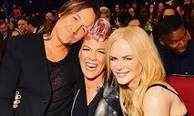 Pink in Keith Urban združila moči, njun nastop budno spremljala Nicole Kidman