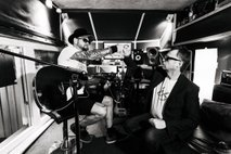 Grega Skočir in Tomi M predstavljata prvo skupno pesem 'Bomo'
