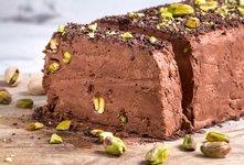 Čokoladni semifreddo s pistacijami
