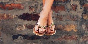 Tako nevarna je lahko priljubljena poletna obutev