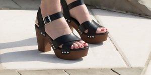 Poletni sandali s peto, ki jih bo hotela vsaka