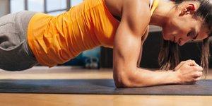 Kaj se zgodi, če redno izvajate plank?