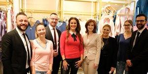 Prijetno druženje in odlično vzdušje z Rebeko Dremelj v butiku Alma Ras