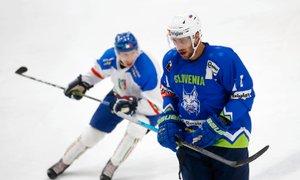 Slovenski hokejisti v Kazahstanu začenja misijo vrnitve med elito