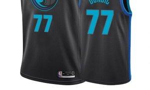 Dončićev dres med petnajstimi najbolj prodajanimi v ligi NBA