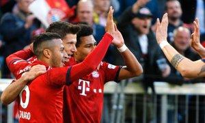 Prvenec Coutinha v dresu Bayerna, Lewandowski na vrhu strelcev v Bundesligi