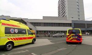 V ponedeljek potrdili 99 novih okužb. V UKC Maribor okuženi štirje zaposleni
