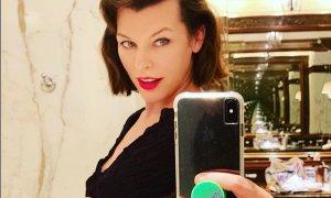 43-letna Milla Jovovich že tretjič noseča