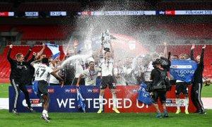Fulham premagal Brentford in se vrnil med elito