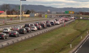 Podaljšan praznični konec tedna prinaša povečan promet