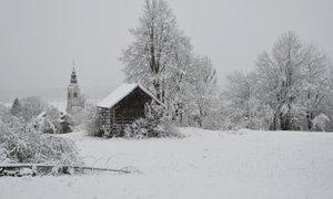Prihaja nova pošiljka snega, snežinke možne tudi v nižjih delih Primorske