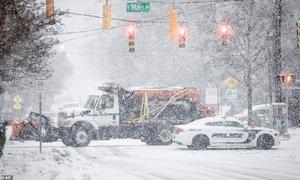 Snežna nevihta ohromila jugovzhodni del ZDA