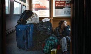 Greta na vlaku: od vožnje v prvem razredu do sedenja na tleh