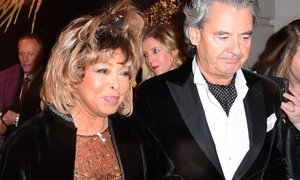 Tina Turner izdala priročnik za samopomoč in se zahvalila možu