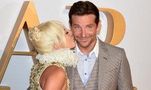 Sta Gaga in Bradley 'noro zaljubljena'?