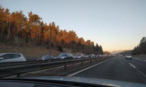 Promet se umirja, zastojev na štajerski in gorenjski avtocesti ni več