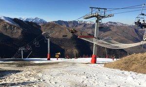 Na francosko smučišče 50 ton snega prepeljali s helikopterjem