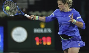 Kim Clijsters poražena ob povratku na veliko sceno