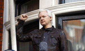 Assange toži Ekvador zaradi kršenja temeljnih pravic