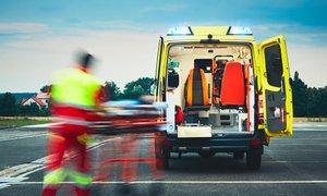 Bomo sprejeli dejstvo, da se na reševalno vozilo čaka tudi pol ure in več?