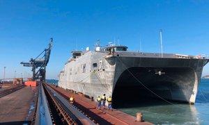 V Kopru pristala zanimiva ameriška vojaška ladja – USNS Carson City