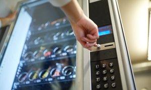 Prodajni avtomati – čokoladica, čips ali sladka pijača?