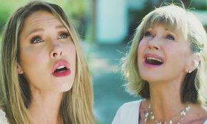 Olivia Newton-John posnela duet s hčerjo Chloe