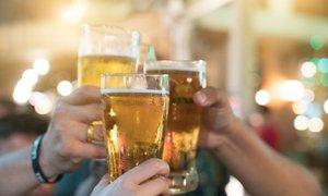 Gostince skrbi, da bodo namesto alkohola, ki je vzrok za četrtino smrtnih ...