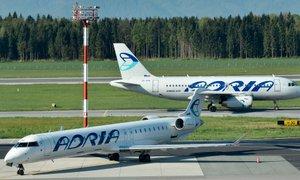 Adrii naj bi zasegli prva letala