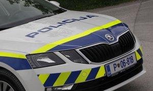 Prodajalka v Mariboru ni nasedla roparju s plastično pištolo