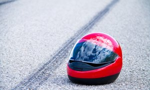 Pri Pivki umrl 59-letni motorist