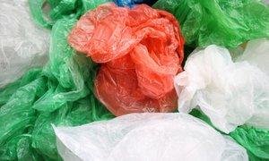 Na svetu vsako minuto porabimo milijon plastičnih vrečk