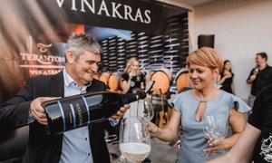 Stroške bivanja Pivčeve na Krasu je najprej plačalo podjetje Vinakras