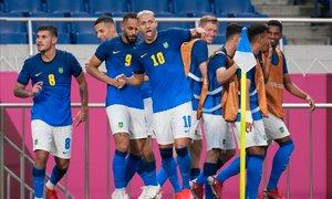 Branilci naslova Brazilci v finalu proti Španiji