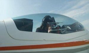 19-letna pilotka bi rada postala najmlajša ženska, ki je sama obletela svet