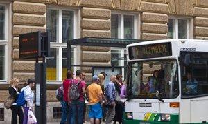 Za študente in dijake z rednimi vozovnicami tudi letos poleti brezplačen javni ...