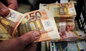 Romunki na počivališču ukradel 2900 evrov