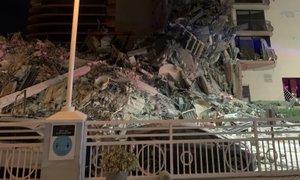 V Miamiju se je sredi noči delno zrušila 12-nadstropna stavba